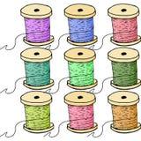 Bobines colorées de fil Images stock