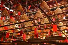 Bobines d'encens dans le temple de MOIS de l'homme Hon Kong photographie stock