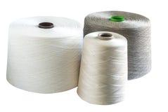 Bobines de fil de toile et en soie Images stock
