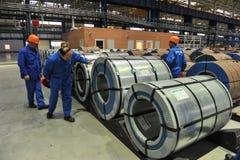 Bobines en acier d'entrepôt d'acier de tôle Images libres de droits