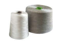 Bobines en soie et naturelles de fil de toile Image libre de droits