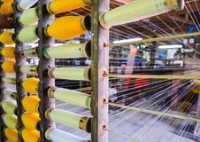 Bobines industrielles de coton pour le tissage Images stock