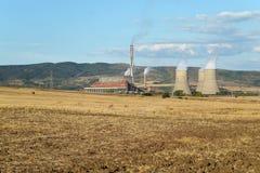 Bobobv Dol termisk kraftverk, Bulgarien royaltyfria bilder