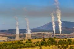 Bobov Dol termisk kraftverk, Kyustendil landskap, västra Bulgarien royaltyfri foto