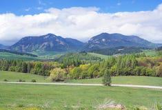 Bobrovnik-Landschaft mit Pravnac und Lomy lizenzfreie stockfotografie