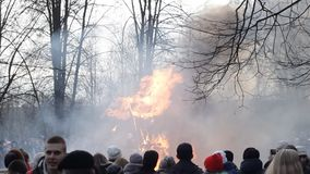 BOBRUISK, BELARUS - March 9, 2019: the rite of burning stuffed for the holiday of Maslenitsa, the meeting of winter and. Spring, ceremony stock video