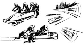 Bobsleigh et quatre athlètes dans la perspective Images stock