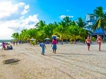 Boca Chica, Dominicaanse Republiek - 12 Februari, 2013: Dominicaanse Republiek Boca Chica Strand, de zomer, zon, overzees Royalty-vrije Stock Foto's