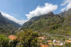 Δείτε το πέρασμα Boca DA Encumeada στο νησί της Μαδέρας στοκ εικόνα με δικαίωμα ελεύθερης χρήσης