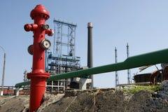 Boca de incêndio de incêndio da refinaria de petróleo Fotos de Stock Royalty Free