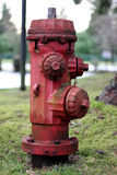 Boca de incêndio de incêndio oxidada Fotografia de Stock Royalty Free