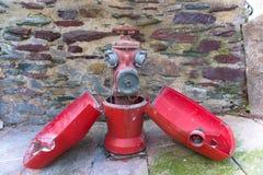 A boca de incêndio de fogo europeia france abriu o caso imagens de stock royalty free