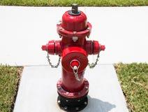 Boca de incendios roja foto de archivo