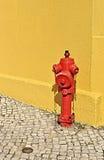 Boca de incendios roja Foto de archivo libre de regalías