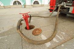 Boca de incendios - un dispositivo para muestrear el agua Foto de archivo