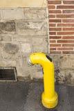 Boca de riego amarilla Fotos de archivo libres de regalías