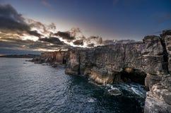 Boca do Inferno & x28; Hell& x27; s Mouth& x29; - De boog van de kustklip op A wordt gevestigd die Stock Foto