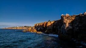 Boca fa la bocca del ` s dell'inferno della voragine dell'inferno aka, Cascais, Portogallo fotografie stock