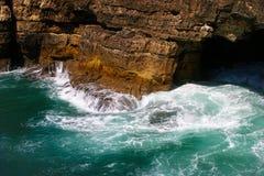 Boca faz o inferno - Cais Cais - Portugal imagens de stock royalty free