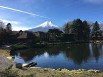 Boca Fuji en el pueblo del oshinohakkai en Japón Fotos de archivo