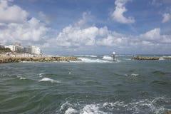 Boca Raton Inlet som leder till Atlanticet Ocean Royaltyfri Fotografi