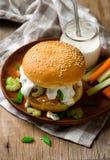 Bocadillo de pavo del búfalo con el sause del queso verde Imagen de archivo