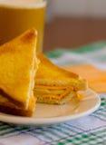 Bocadillo del queso cheddar de Apple Fotografía de archivo