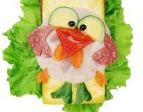 Bocadillo vegetal creativo con la salchicha de la American National Standard del queso Fotografía de archivo libre de regalías