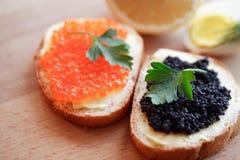Bocadillos con el caviar Fotos de archivo libres de regalías
