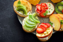Bocadillos de la fruta de postre Foto de archivo