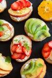 Bocadillos de la fruta de postre Fotografía de archivo libre de regalías