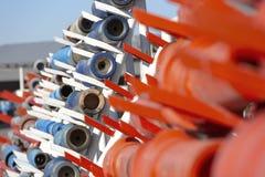 Bocados da tubulação e de broca usados na indústria petroleira imagens de stock
