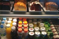 Bocados y bebidas en el sao Paulo Airport imagen de archivo