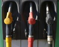 Bocais velhos da bomba no posto de gasolina imagem de stock royalty free
