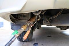 Bocal do reenchimento do gás do LPG no uso imagem de stock