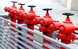 Bocas de incendios al aire libre rojas Fotos de archivo