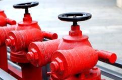 Bocas de incendios al aire libre rojas Imágenes de archivo libres de regalías