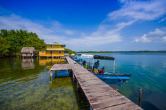 BOCAS DEL TORO, PANAMA - 23 AVRIL 2015 : En bois Photos stock