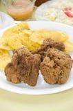 Bocas van de kip en tostones Royalty-vrije Stock Foto