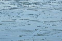 Bocca dei modelli del ghiaccio della schiuma di Humber a gennaio Fotografie Stock Libere da Diritti