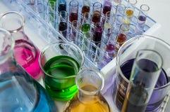 Boccette del laboratorio e provette Fotografie Stock