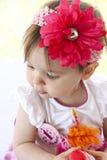 Bocejo/rosnado do bebê Fotografia de Stock