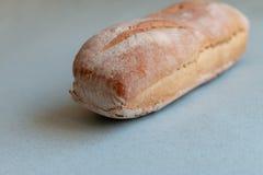 Bochenek domowej roboty spłodzony piec od pszenicznej mąki zdjęcie stock