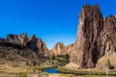 Bochtige Rivier Smith Rock State Park Oregon stock foto
