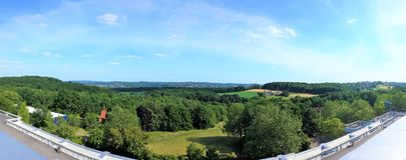 Bochum, Alemania - Juli 7, 2015: Vista panorámica del paisaje verde foto de archivo