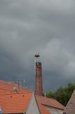 Bociany na kominie zdjęcie stock