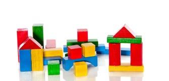 Bocks en bois colorés de jouet Images libres de droits