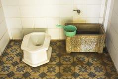 Boczna zbliżenie toaleta w wiejskim Thailand Fotografia Royalty Free