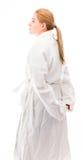 Boczny profil młodej kobiety pozycja w bathrobe obrazy stock