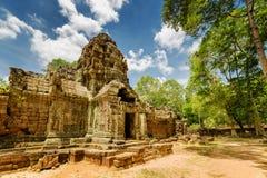 Boczny widok antyczny gopura przy Ta Som świątynią w Angkor, Kambodża Obraz Stock